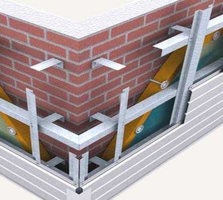 Типичная схема устройства каркаса под облицовку дома цокольным сайдином
